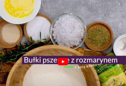 Bułki pszenne z solą i rozmarynem